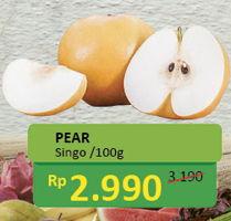 Promo Harga Pear Singo per 100 gr - Alfamidi