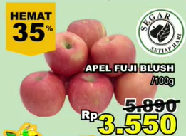 Promo Harga Apel Fuji Blush per 100 gr - Giant