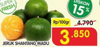 Promo Harga Jeruk Shantang Madu per 100 gr - Superindo