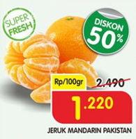 Promo Harga Jeruk Mandarin Pakistan per 100 gr - Superindo